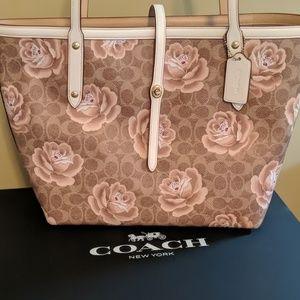 BNWT Coach purse